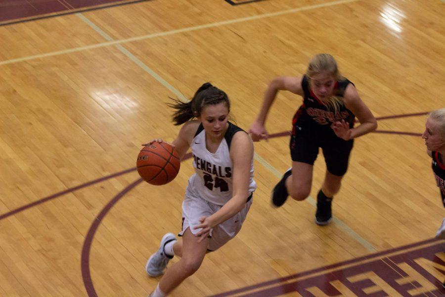 Photo Gallery: Girls Varsity Basketball