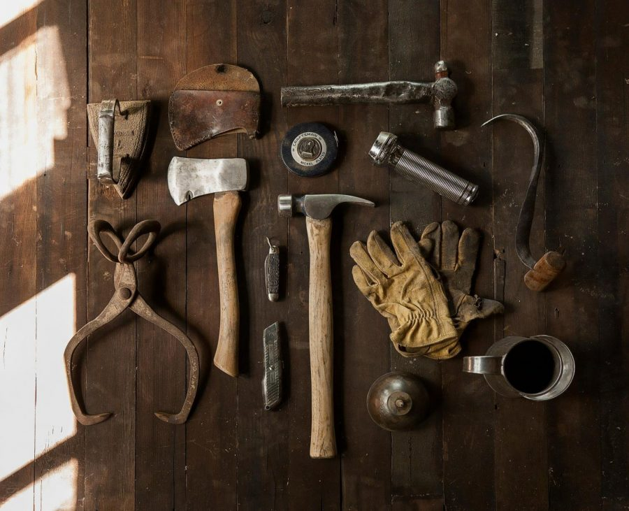https://pixabay.com/photos/tools-diy-do-it-yourself-hammer-498202/